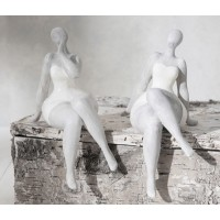Figura poliresina mujer sentada Albane 2 modelos 11x19h cm