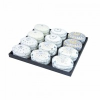 Cajita ovalada blanca con piedras 6 modelos distintos 4,5x8,5x5,5 cm