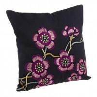 Cojín Agnese antracita y morado flores bordadas con relleno 40x40cm