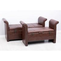 Puff baúl con reposa brazos polipiel tachuelas marrón oscuro grande 135x47x65 cm