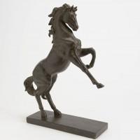Figura decorativa poliresina caballo marrón encabritado con base 37x14x45h cm