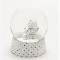 Bola de nieve infantil blanca con lunares mapache Adam con balón